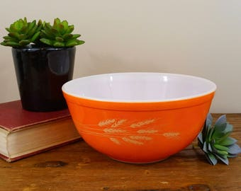 Vintage Pyrex Autumn Harvest Mixing Bowl #403 2.5L