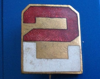 EARLY TYPE u.s.army  2nd Regiment identification PIN/badge.  1 inch tall, 7/8 inch wide.  Excellent used condition. See description