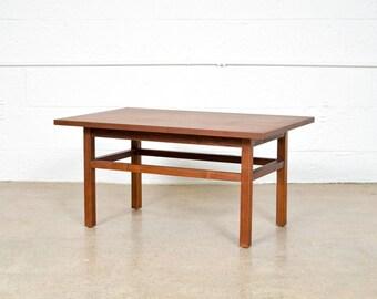 Mid Century Side Table, Modern End Table, Beautiful Mid Century Modern Teak  Wood End