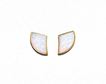 18k Yellow Gold White Iridescent Opal Horn Earrings/Studs.