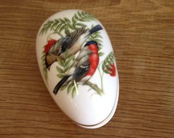 "Vintage Coalport ""British Birds - The Bullfinch"" Oval / Egg Shaped Lidded Trinket Pot - In Excellent Condition."