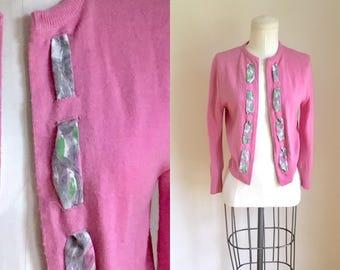 50% OFF...last call // vintage 1950s sweater - BUBBLEGUM pink cardigan • L