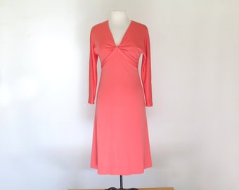 CORAL QUEEN // 70s polyester long sleeved disco dress / M