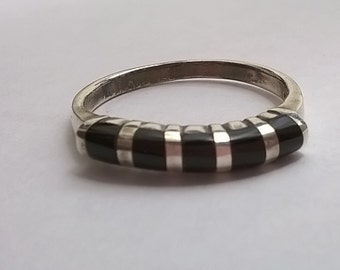 Dainty Black Onyx and Sterling Silver Ring - Size 7 Finger Ring