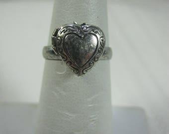 Vintage Silver Heart Locket Ring