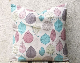 Decorative Pillow Covers - Leaf Print on a Light Beige Patterned Background - 18 x 18 - 1 pair - ct91B