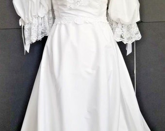Vintage Victorian Style White Wedding Dress Lace Ribbons Embellished 4 6 Victorian Style