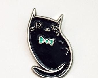 BLACK CAT pin // cute enamel jewelry, halloween pins, witch enamel pin, lapel pins, black cat enamel pin, cat brooch pin, enamel cat pins