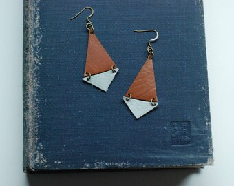 Triangle Earrings [Brown + Light Grey]
