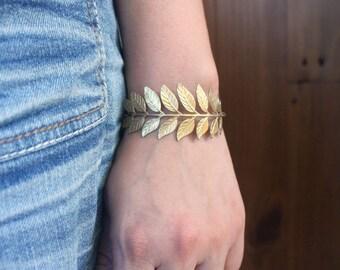 Golden Laurel Leaf Bracelet, Leaf Cuff Bracelet, Gold Woodland Jewelry, Cuff Bracelet for Women, Adjustable Large Leaf Jewelry