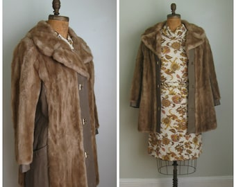 1970's Faux Fur and Leather Coat// Size Large// Tan// Turn lock button