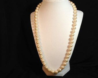 Vintage Quality Faux Pearl Single Strand Knotted Necklace, Heavy, Ivory Colored Pearls, Good Quality.