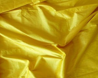 Silk dupioni in Dark Maize Yellow.Fat quarter-D 140