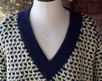 Mens Hand Knit V-Neck Thick Pullover Sweater