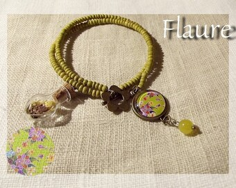 """Bracelet in green wood and cabochon """"Nature"""""""