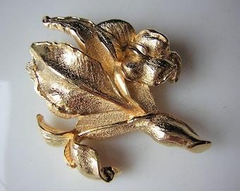 """Beautiful fancy brooch, flower (iris, lily), gilt metal, 1.97 """""""