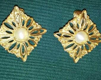 Zarcillo Vintage Dorado