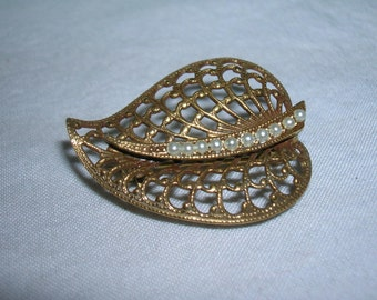 Delicate Leaf with Small Pearls Vintage Brooch