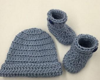 Crochet Baby booties & Hat Set_Light Blue