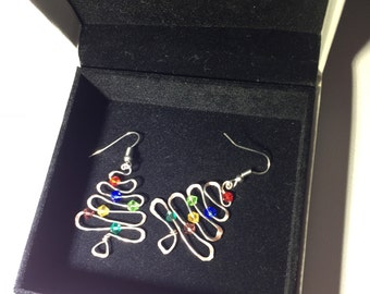 Christmas Tree Earrings, Christmas Earrings, Hammered Wire Christmas Tree Earrings,