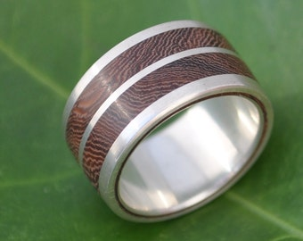 Size 5, 10mm READY TO SHIP  Lados Linea Nacascolo Ring -  ecofriendly wood wedding ring