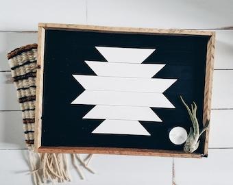 Plateau en bois récupéré; bac bac bac décoratif, meuble, plateau en bois, plateau de bijoux, plateau ottoman, décor nordique, décoration hippie, aztèque de service