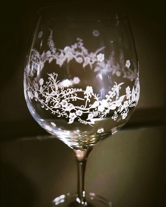 Hand Engraved wine glass,  wine glass etched, home decor, etched, handengraved, candlesticks,office decor, crystal gift, housewarming, wine