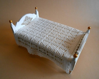 Dollhouse blanket, bedspread
