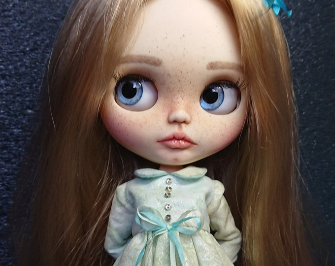 Danessa ooak custom Blythe doll fake base Blythe custom ooak Blythe Blythe TBL custom doll interior dolls collectible dolls articulated doll