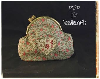 Medium Kiss-Lock Purse Handbag with Hand-Applique - Vintage, Victoriana, Bridal 3339