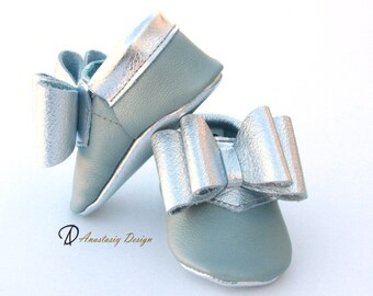 Grey and Silver Bow Baby Girl Moccasins Toddler Moccasins Baby Girl Shoes, Baby Moccs, Crib Shoes