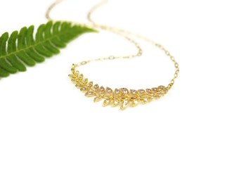 Gold Laurel Leaf Necklace Leaf Jewelry for Brides Bridesmaids Gift Wedding Jewelry Simple Minimalist Style Branch Pendant Gift Idea for Her