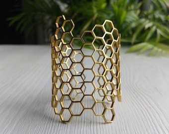 Hexagonal geometric bangle. Handmade bronze bangle.