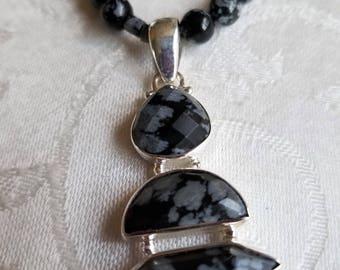 Australian Midnight                       Australian Snowflake Obsidian Necklace