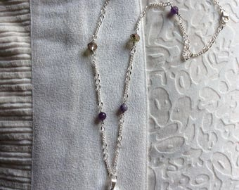 Geode inlaid pendant necklace on metal chain with added beads
