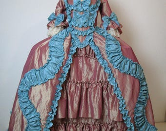Taffetà, 18 Century Rococò,   French Court Dress - abito settecentesco donna XVIII sec Taffetà