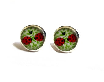 Girls LADYBUG STUD EARRINGS - Cute - Kawaii - Kids Birthday Gift - Resin - Flower Girl - Girls Gift - Ladybird Earrings