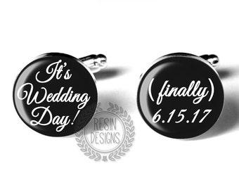 Personalized Wedding Day Custom Grooms Cufflinks, Wedding Accessory, Fiance Gift, Black and White, Anniversary Gift, Custom Date