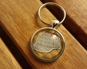 Sherlock Holmes hat keychain