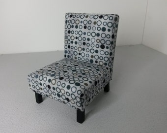 Modern Dollhouse Miniature Occasional Chair 1:12 Scale