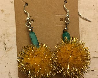 Holiday PomPom Earrings