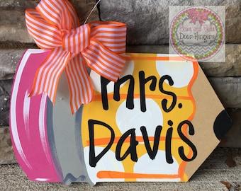 Teacher sign | teacher wreath | teacher appreciation gift | pencil door hanger | teacher classroom sign