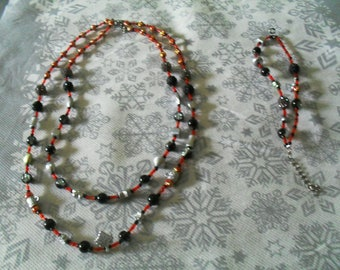 trendy, original, colorful bracelet and necklace set (black and red)