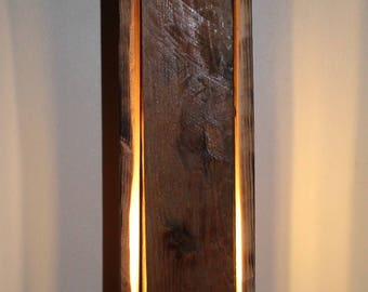 Wooden wall lamp of pallet