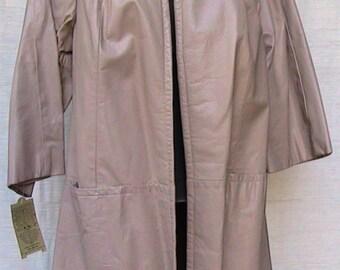 Size 8  Beige Leather Coat w Fur Collar a ROBERT MESHEKOFF ORIGINAL