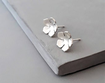Small Sterling Silver Stud Earrings - Tiny Flower Stud Earrings - Silver Dainty Studs -  Simple Everyday Studs - Tiny Stud Earrings