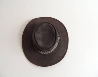 FREE SHIPPING - Vintage Aussie Bush Dark Brown leather hat, size S, Made in Australia