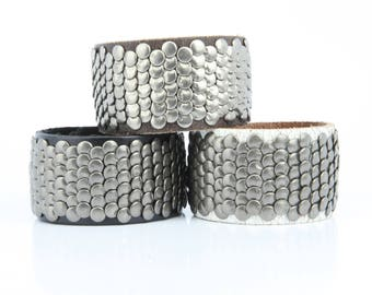 Wide leather cuff bracelet with overlapping flat metal studs bikers wristband for men and women adjustable snap closure B043