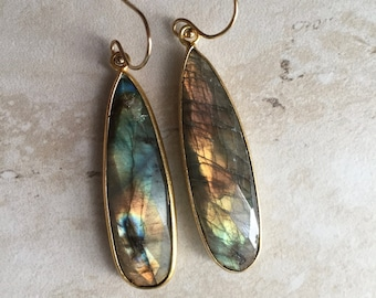 Labradorite Earrings,Gold Labradorite Earrings,Labradorite Teardrop Dangles,Raw Stone Earrings,Labradorite Jewelry,Gift for Her,Labradorite