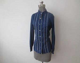 Vintage '60s Judy Bond Paper Thin Cotton/Poly Long Sleeve Tuxedo Style Blouse w/ Mock Collar & Fine Lace Trim, Medium